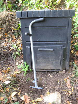 Compost Turner:  Insert deeply into compost, turn, and lift.  The compost is fluffed and aerated.  I admit it, only a Garden Geek would find this thrilling.