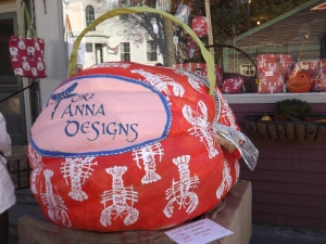 A lobster purse complete with zipper!